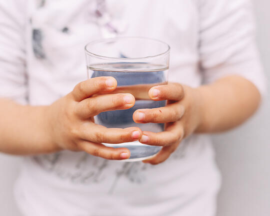 a-bere-correttamente-si-impara-da-piccoli-ecco-qual-è-l'acqua-migliore-per-i-neonati-fonte-margherita