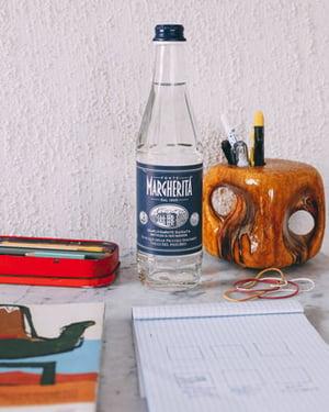 bere-meglio-per-vivere-meglio-7-trucchi-per-bere-di-più-ogni-giorno-fonte-margherita-2