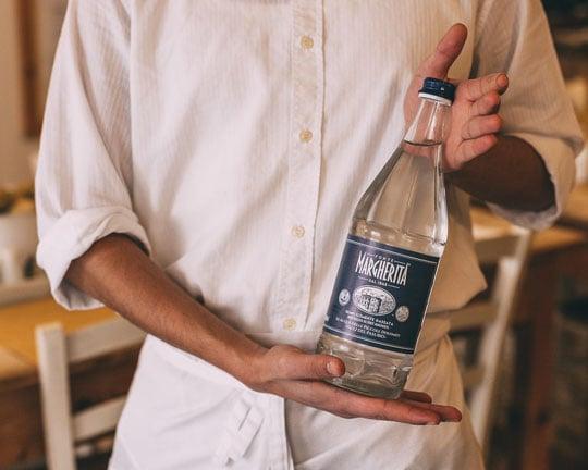l'etichetta-dell'acqua-in-bottiglia-come-leggerla-capirla-e-utilizzarla-per-scegliere-il-prodotto-più-adatto-alle-nostre-esigenze-fonte-margherita-2