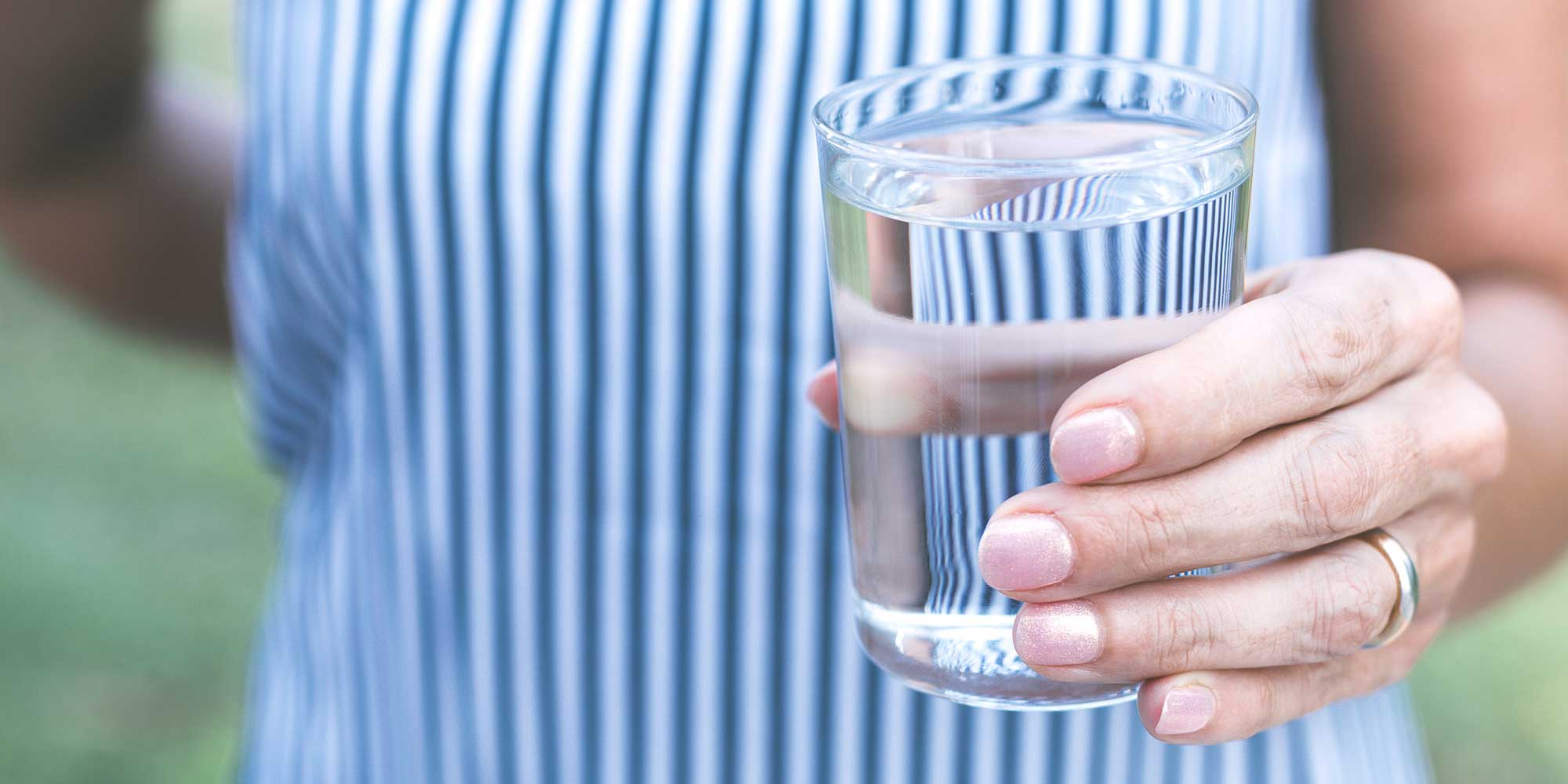 Il sapore dell'acqua: scopriamo insieme cosa influenza il gusto dell'acqua che beviamo